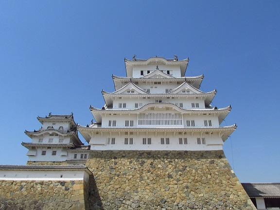 Himeji castle head on small