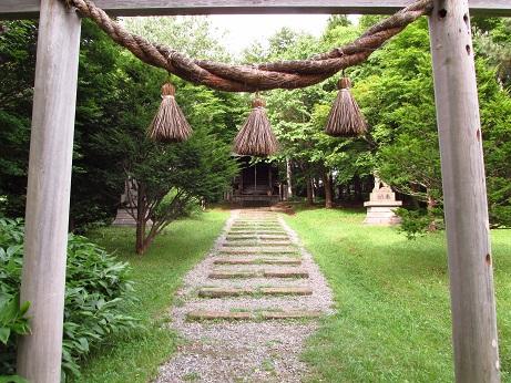 pioneer-village-05-shinto-shrine-entrance