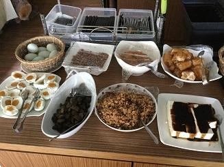 SML 011 Breakfast 1