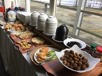SML 012 Breakfast 2