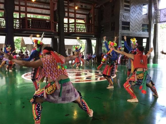Formosa 003 opening dance